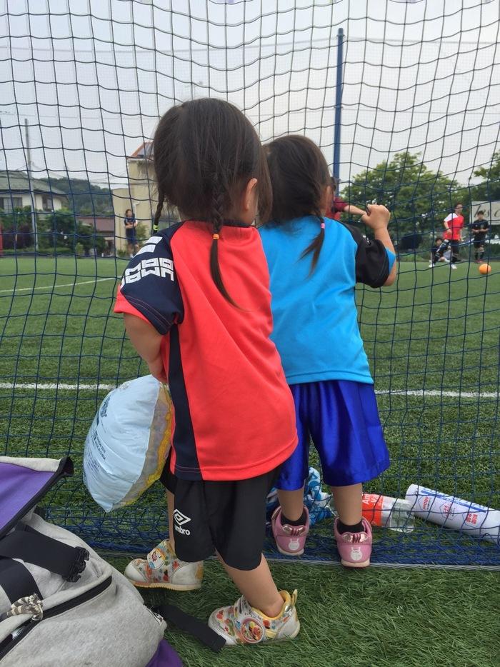 双子の娘たちを「比べない子育て」に悩んでいた私が、サッカー教室で見つけたことの画像3