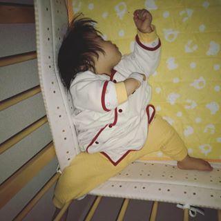 インスタで大流行!「#我が子の最強寝相」が本当に最強♡まとめの画像17