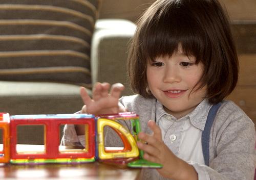 ボーネルンドが提案する、「子どもに贈りたくなるプレゼント」とは?のタイトル画像