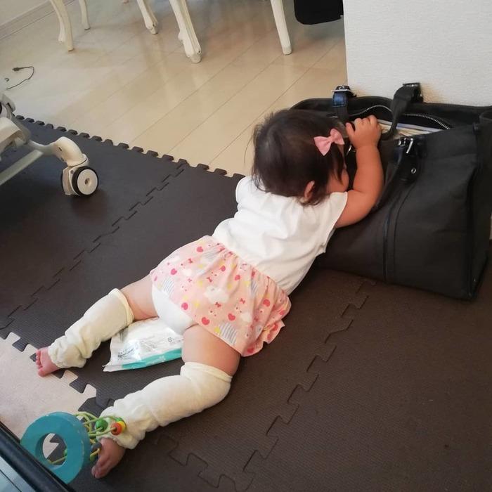 こんなところで爆睡!?「#電池切れっ子」がたまらん可愛さ♡の画像3