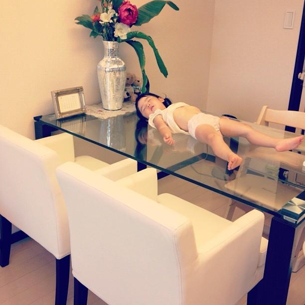 こんなところで爆睡!?「#電池切れっ子」がたまらん可愛さ♡の画像6