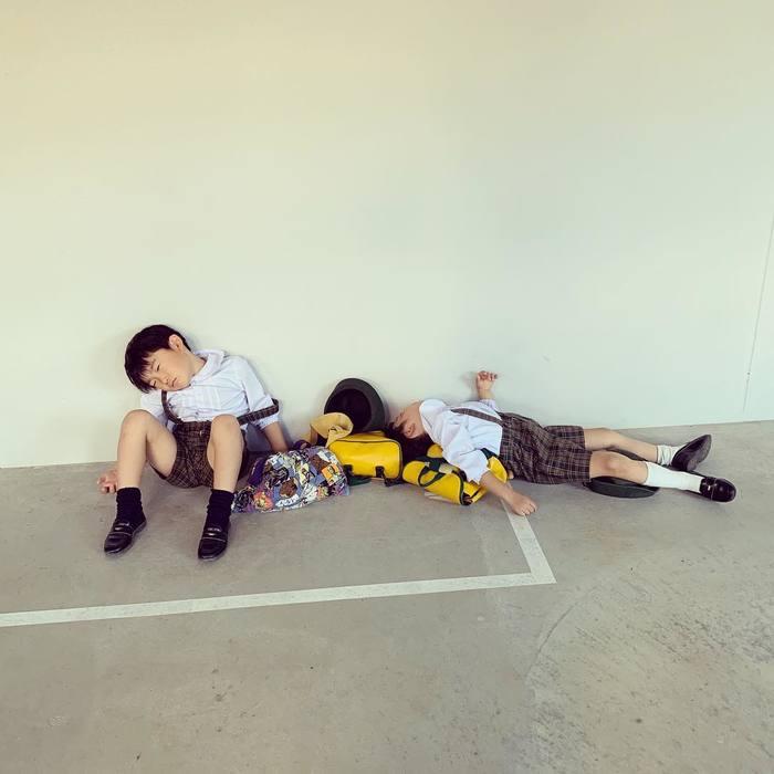 こんなところで爆睡!?「#電池切れっ子」がたまらん可愛さ♡の画像1