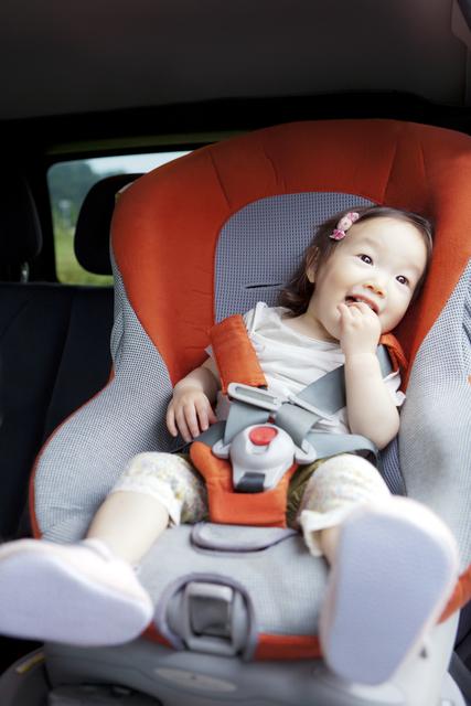 チャイルドシートの選び方!人気の商品や新生児から使えるものまでのタイトル画像