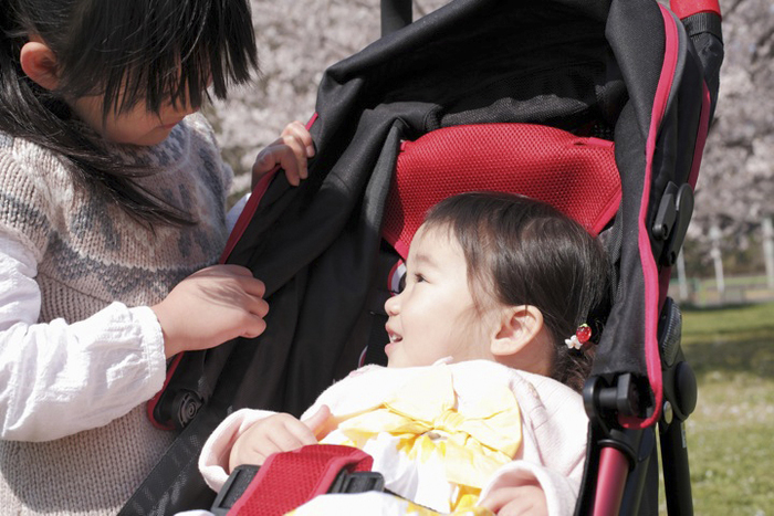 赤ちゃんにバギーはいつから?折りたたみ・おしゃれ・おすすめバギー6選の画像1