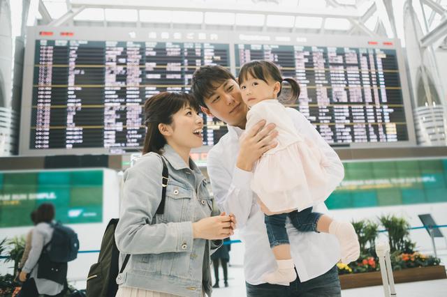 赤ちゃんはいつから飛行機に乗れる?料金や耳抜きなどの対策グッズもの画像2