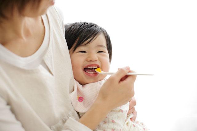 赤ちゃんとの外食はいつから?おすすめの店は?赤ちゃん連れ外食のコツ紹介の画像1