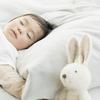 寝返り防止クッションって必要?手作りできる?使い方や効果などをチェックのタイトル画像