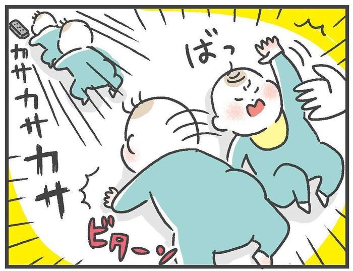 """「やめて!と思うものほど舐める(笑)」0歳児の""""目が離せない""""日々!!の画像16"""