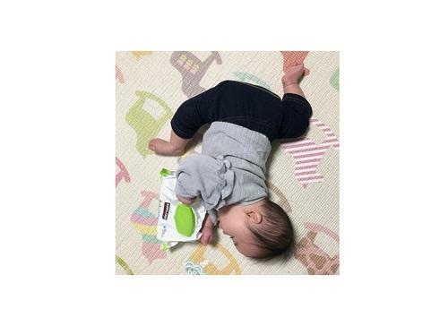 まるで体操選手…!おとなは真似できないびっくり「軟体赤ちゃん」集!!のタイトル画像