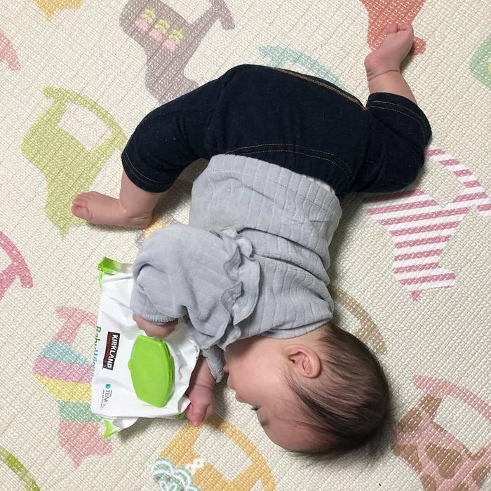 まるで体操選手…!おとなは真似できないびっくり「軟体赤ちゃん」集!!の画像13