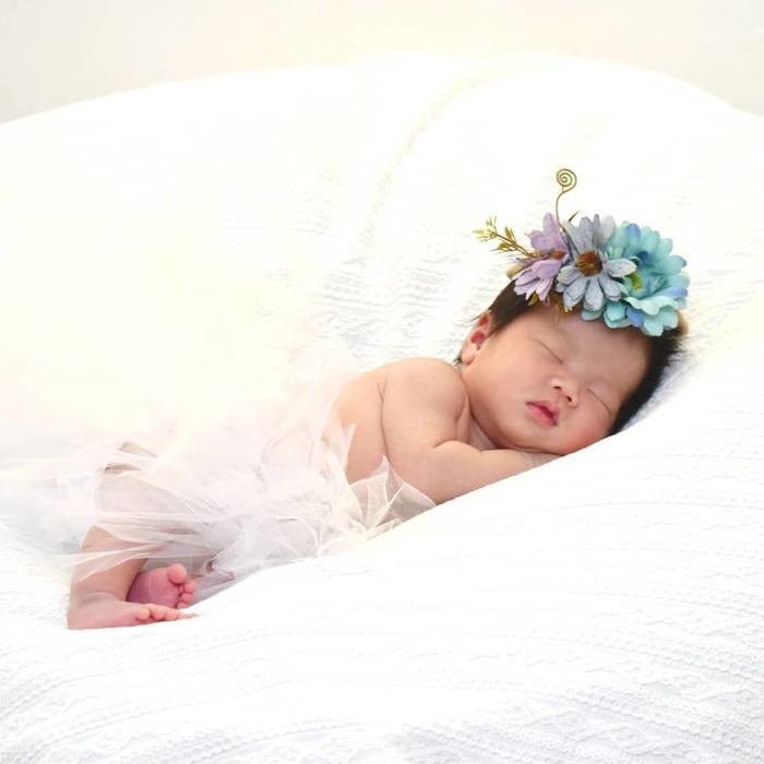 今だけの姿を写真に収めて…♡新生児の可愛い写真アイデア♪の画像10