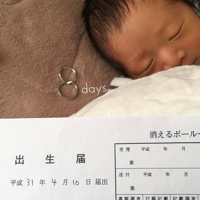今だけの姿を写真に収めて…♡新生児の可愛い写真アイデア♪の画像5