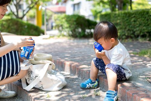 デザインもこだわりたいママに!子ども用水筒10選のタイトル画像