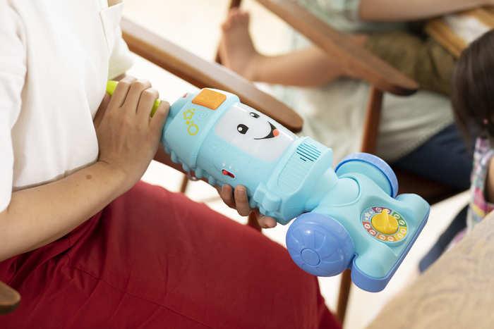 猛暑でお外遊びできない…そんな日に親子で楽しむ、体をたっぷり動かせるバイリンガルおもちゃの画像12