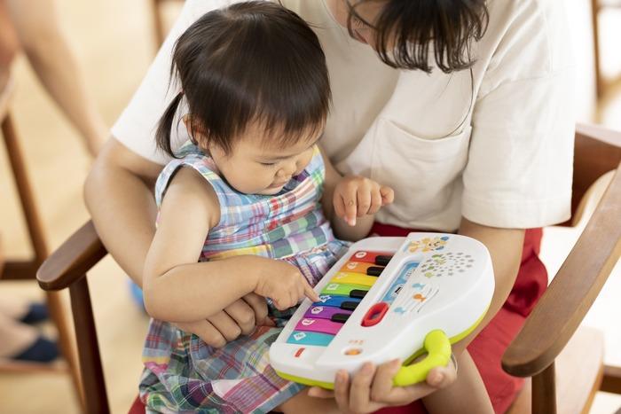 猛暑でお外遊びできない…そんな日に親子で楽しむ、体をたっぷり動かせるバイリンガルおもちゃの画像20