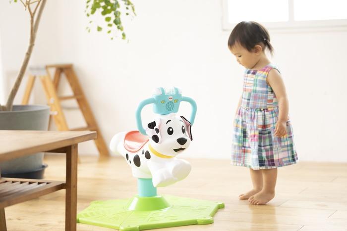 猛暑でお外遊びできない…そんな日に親子で楽しむ、体をたっぷり動かせるバイリンガルおもちゃの画像1