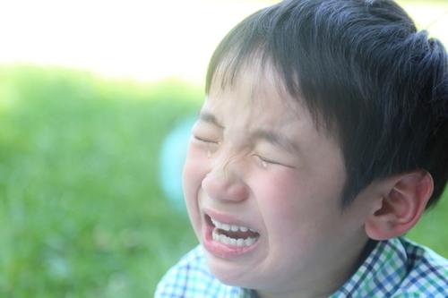 「学校行きたくない」に親は激しく葛藤。寄り添う?背中を押す?のタイトル画像