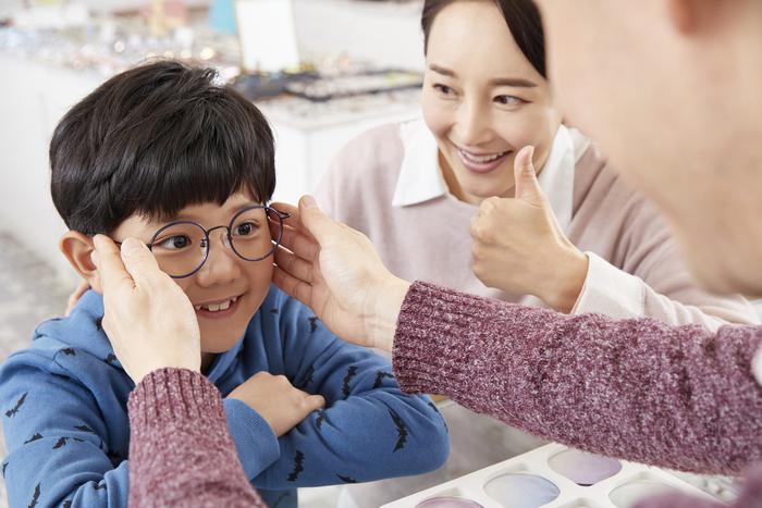 からかわれない?心配しすぎる親心は、奇抜なメガネにイイネ!と言えなかった。の画像2