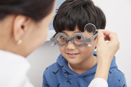 からかわれない?心配しすぎる親心は、奇抜なメガネにイイネ!と言えなかった。のタイトル画像