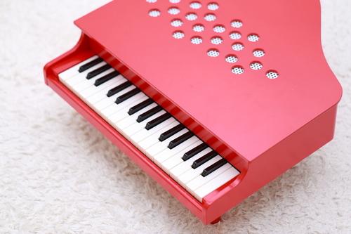 お手軽から本格派まで♪オススメ楽器系おもちゃ8選のタイトル画像