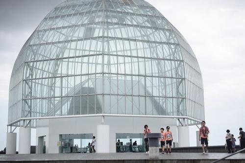 水族館デビューにおすすめ!手頃な入館料もうれしい「葛西臨海水族園」のタイトル画像