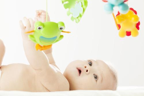 男の子の出産祝いはコレ!人気の物からママに喜ばれるお祝いまでご紹介のタイトル画像