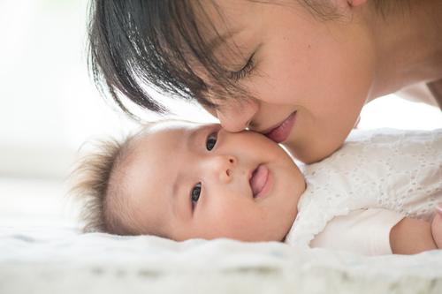 親は過保護すぎてうっとおしい…から一変!出産で気づいた溢れる愛情のタイトル画像