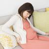 妊娠中の激しい腰痛! 剣山でランダムに引っかかれているような痛みの正体は…のタイトル画像