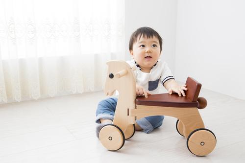 ていねいに作られた「木のおもちゃ」10選♪誕生日・出産祝いにものタイトル画像
