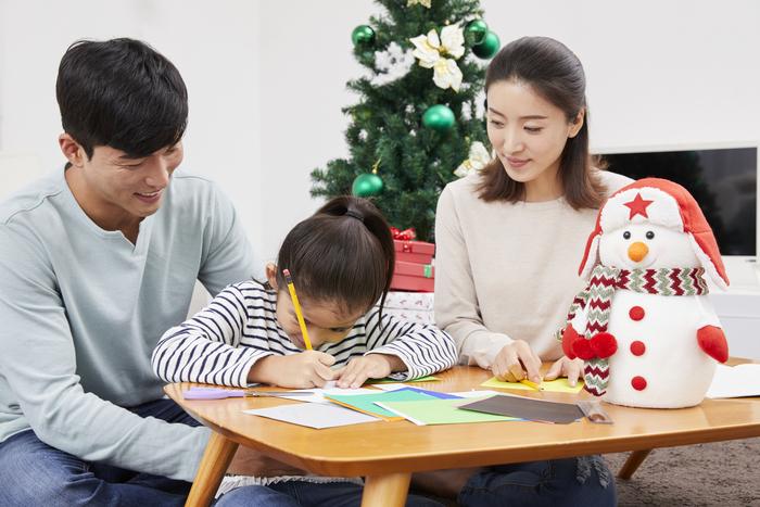 子ども達の喜ぶ顔が見たいから!サンタのふりをして一晩中手紙を書いた夜。の画像2