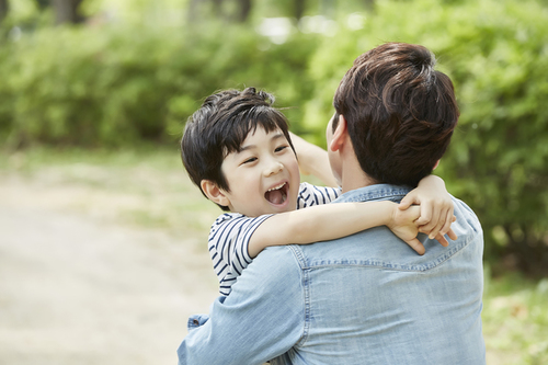 モノで息子を釣るパパ。買わなかった日、息子から笑顔で言われた一言<第三回投稿コンテスト NO.57>のタイトル画像