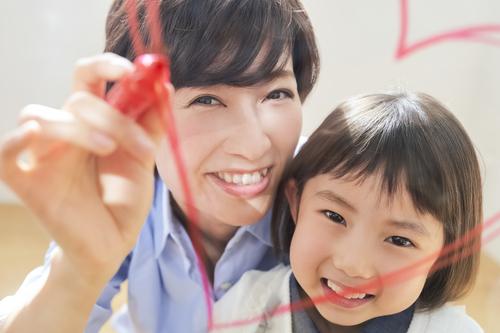 やってみたい!の心を育て、親子のキズナを育む!手作りオモチャ3選!のタイトル画像