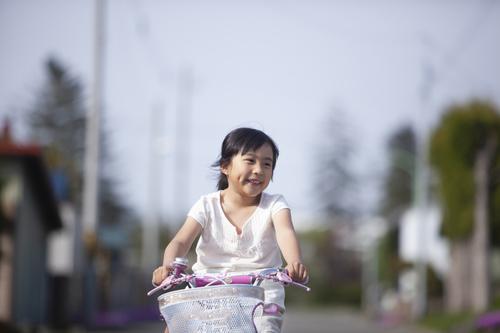年上の近所の子は、親より教え上手?突然、補助輪なしで自転車にのれたワケのタイトル画像