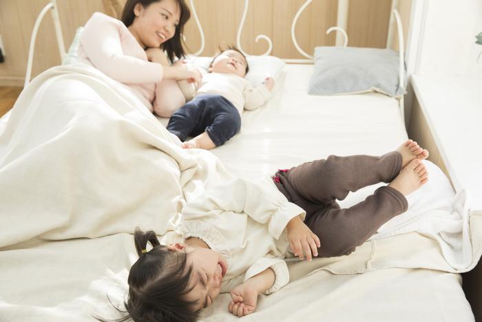 子どもたちが毎晩寝ない。本選び、ママの隣を奪い合い、終わらない寝かしつけ。の画像2