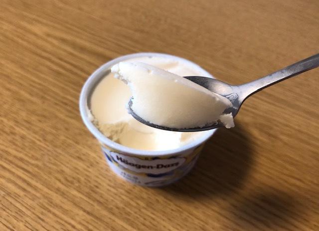 サッパリ派?濃厚派?高級アイスの王道・バニラ味を3品食べ比べの画像3