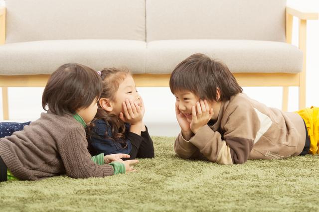 兄2人の前で、末っ子は態度を使い分け!?きょうだいの人間模様に、クスッとなる。の画像3