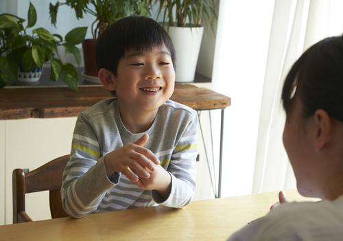 「僕の赤ちゃんの頃は?」と何度も聞く息子。心配になるも、理由探しは止めようと思ったワケのタイトル画像