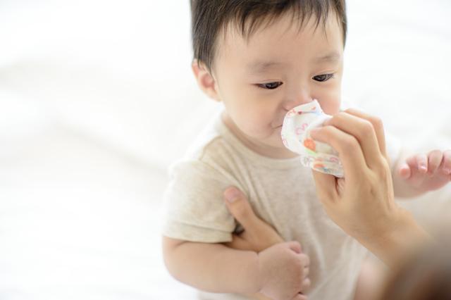 赤ちゃんの鼻水は病院に行った方がいい?鼻水の原因やホームケアを紹介の画像2