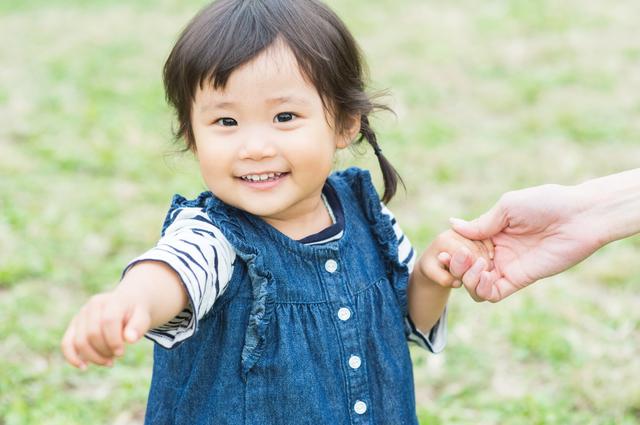 2歳児におすすめの外遊びは?外遊びのメリット、体を使ったゲームも紹介の画像1