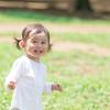 2歳児におすすめの外遊びは?外遊びのメリット、体を使ったゲームも紹介のタイトル画像