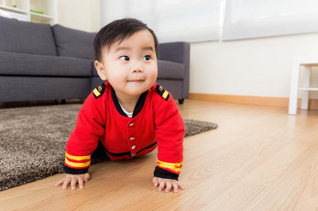 赤ちゃんがハイハイするのはいつから?時期や練習方法、お部屋づくりも紹介の画像2
