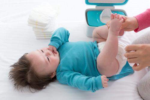 赤ちゃんのおむつかぶれ、原因は?家でできるホームケアと予防法を紹介のタイトル画像