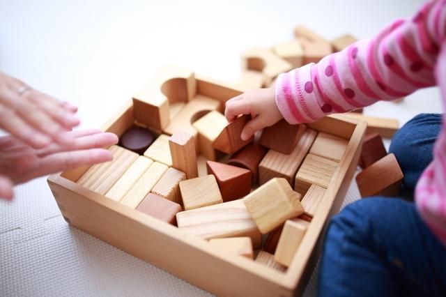 1歳児におすすめの知育グッズ5選!人気のキャラクターや木製おもちゃもの画像1