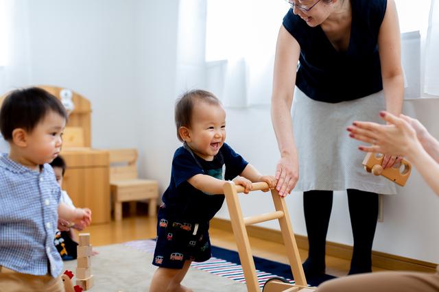"""あんよがはじまる1歳ごろ。""""歩き始め""""の早い、遅いの基準は?の画像1"""