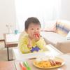 2歳児の食事。食べる量の目安や、食べないときの対処法なども紹介のタイトル画像