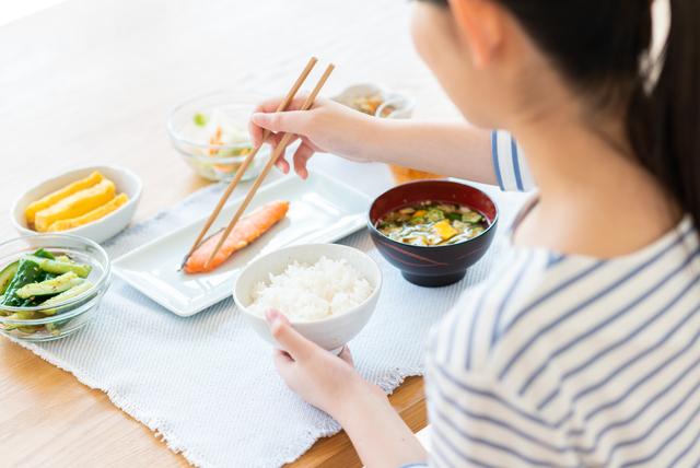 【妊娠中のつわり対策】食べ物や飲み物を工夫してつわりを軽減の画像3