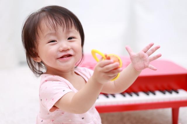 赤ちゃんの知育玩具はいつから?どんなものが人気?おすすめ知育玩具6選の画像4