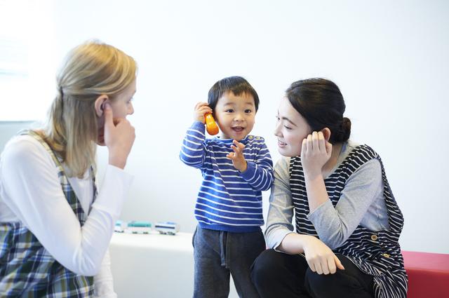 1歳児の発達とその特徴。言葉、からだ、友達とのかかわり方の変化についての画像9