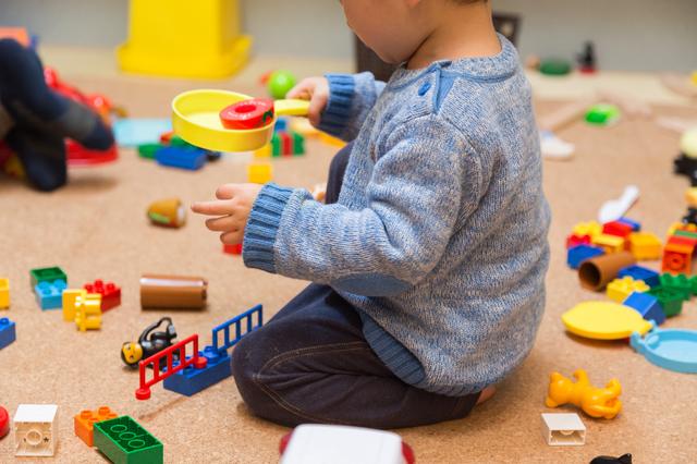 1歳児の発達とその特徴。言葉、からだ、友達とのかかわり方の変化についての画像8