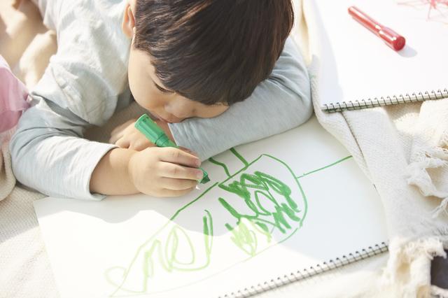 1歳児の発達とその特徴。言葉、からだ、友達とのかかわり方の変化についての画像11